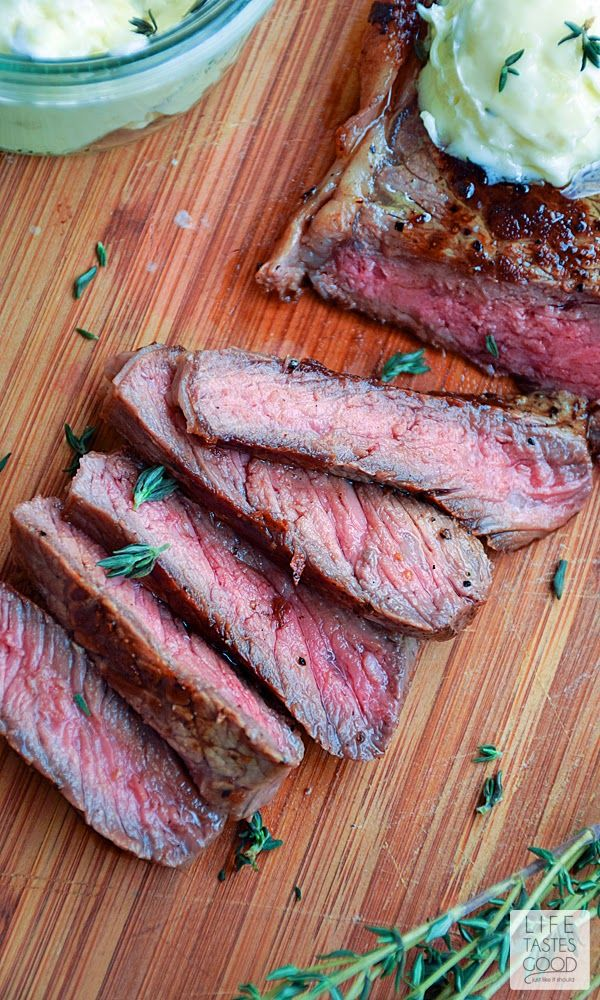 Pan-Seared Steak with Garlic Butter   by Life Tastes Good is a tasty low-carb, protein-rich dinner that's on the table in under 30 minutes! This steak melts in your mouth with the tastes of sweet garlic butter and savory caramelized beef to coat your palette deliciously. #SundaySupper