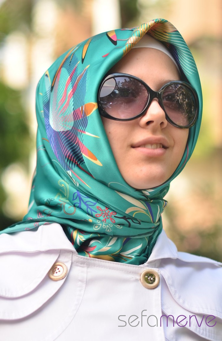 Ela Eşarp 04.Rayon kumaştan imal edilmiştir. Kullanım çok rahattır. Desenleri ve modelleriyle beğeni toplamaktadır.