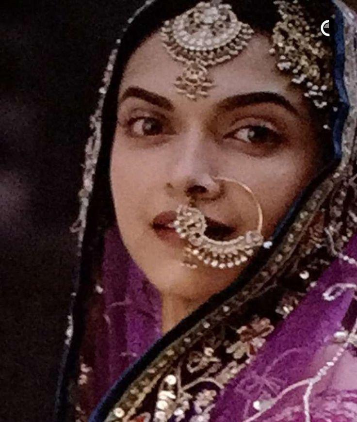 Pinterest: @pawank90 | Deepika padukone, Mastani, Indian ...