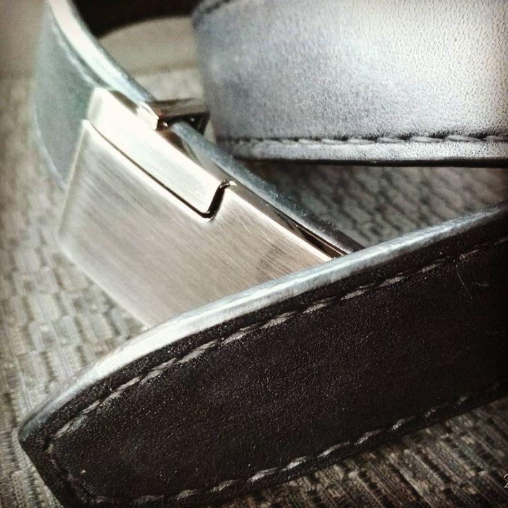 «Ремень из натуральной кожи с ручной прошивкой. #ручнаяработа #кожаныйремень #натуральнаякожа…»