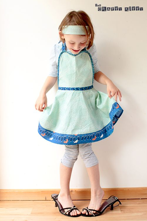 free kid's retro apron pattern