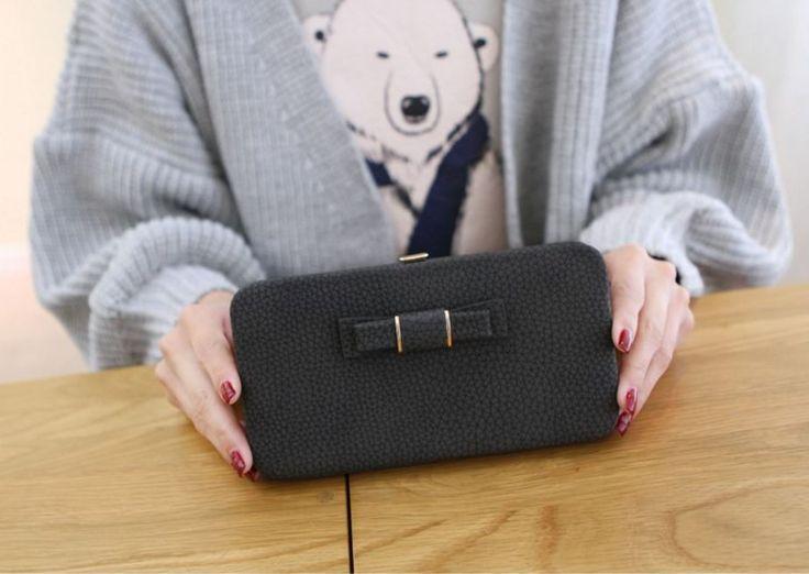 Velmi prostorná kožená dámská peněženka s mašličkou – černá – SLEVA 70 % + POŠTOVNÉ ZDARMA Na tento produkt se vztahuje nejen zajímavá sleva, ale také poštovné zdarma! Využij této výhodné nabídky a ušetři na …