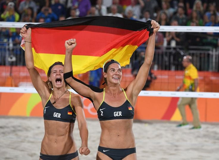 Nicht zu stoppen: Im Endspiel setzte sich das Duo aus Hamburg souverän 21:18...