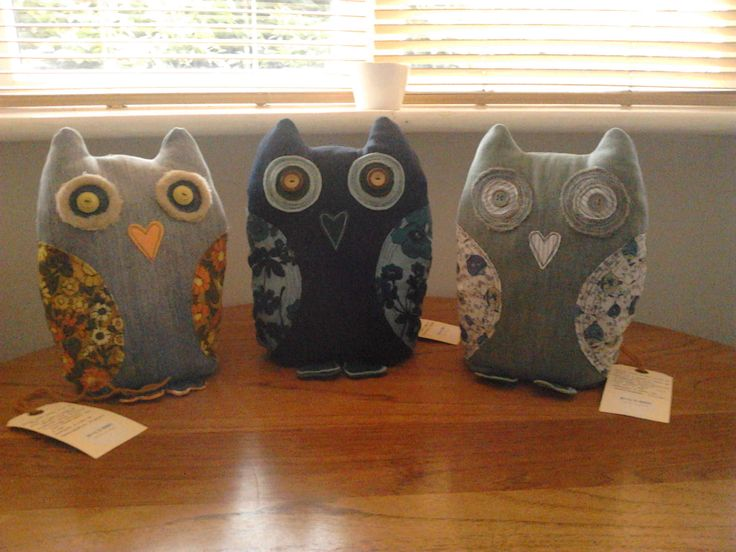 'Betty & Mabel' Owls round are lovely wooden table! Simply divine!
