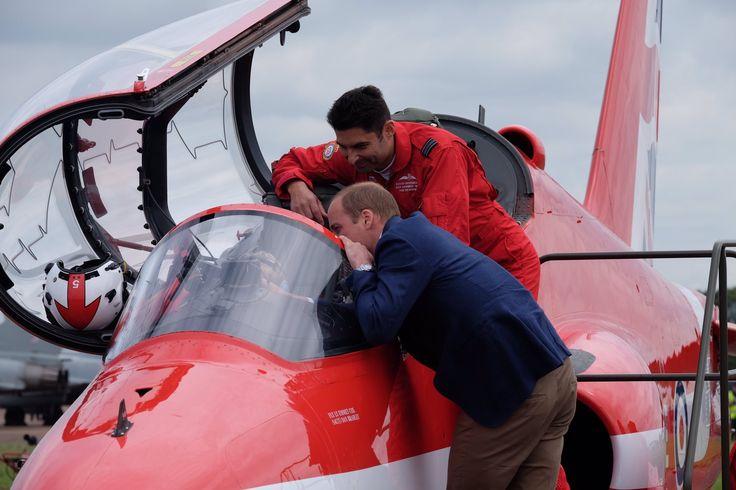"Kensington Palace on Twitter: ""Prince George takes a seat in a @rafredarrows Red Arrow Hawk #RIAT2016"