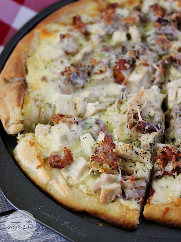 Chicken Caesar Pizza | www.simplystacie.net | #chicken #caesar #pizza