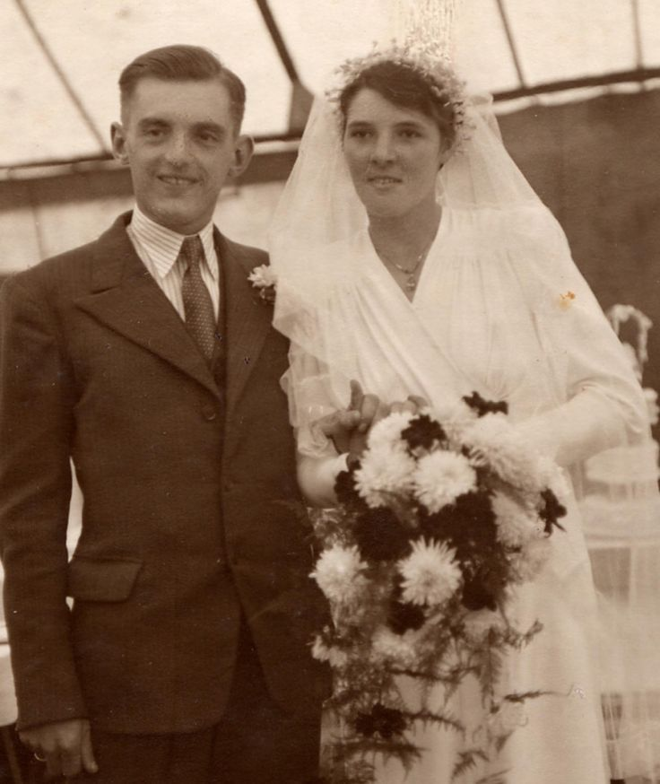 1000+ Images About 1940's Weddings On Pinterest