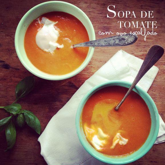 Sopa de Tomate com ovo escalfado