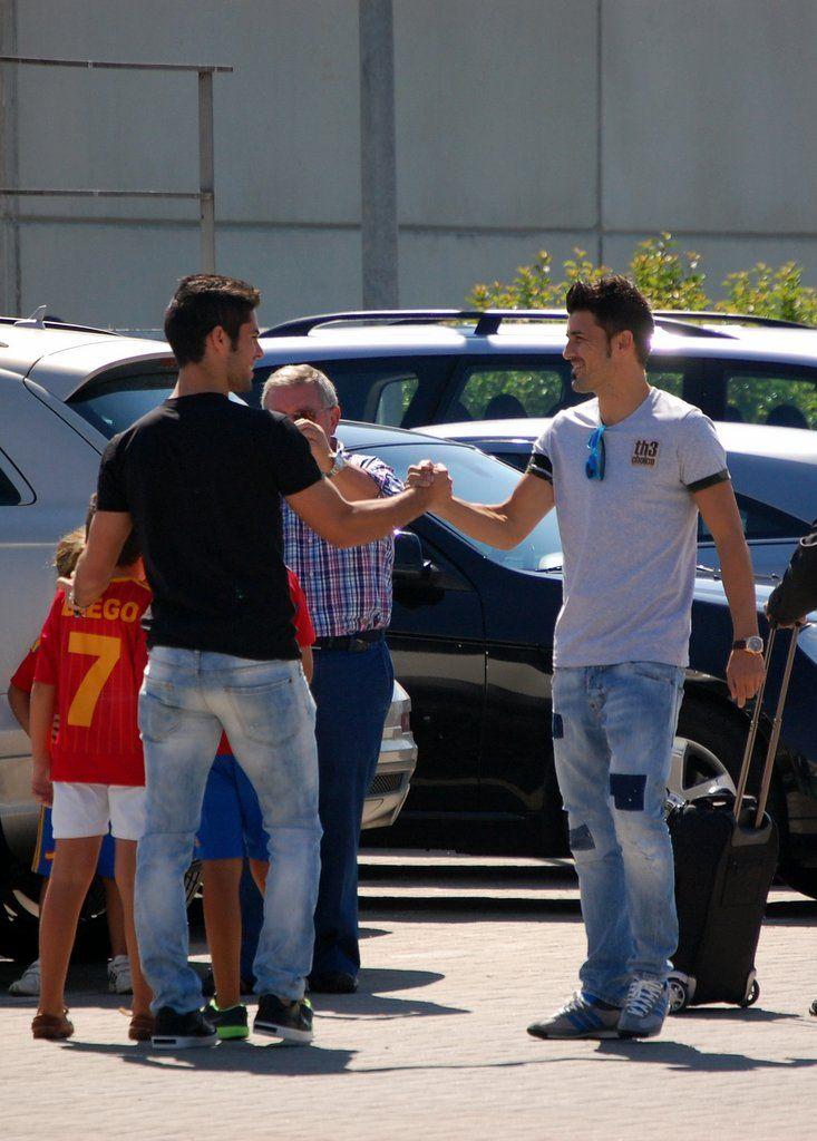 Villa saluda a Isco en Las Rozas en 2013 #seleccionespanola #LaRoja #diariodelaroja