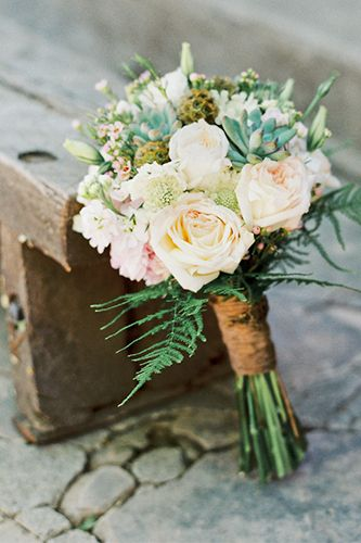 Gorgeous pics from a vintage-meets-DIY wedding