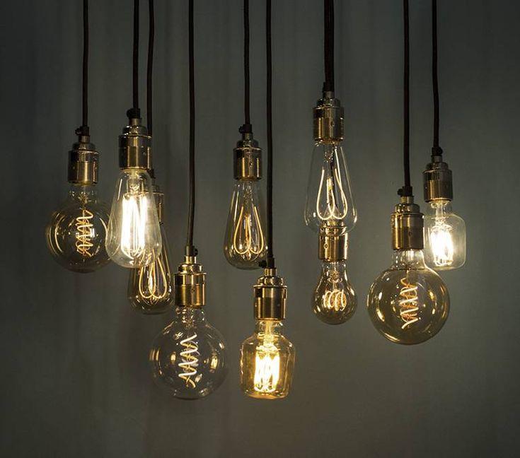 Shop design verlichting zoals tafellampen, hanglampen en vloerlampen van Scandinavische merken als LED lampen online of in Rotterdam bij North Sea Design