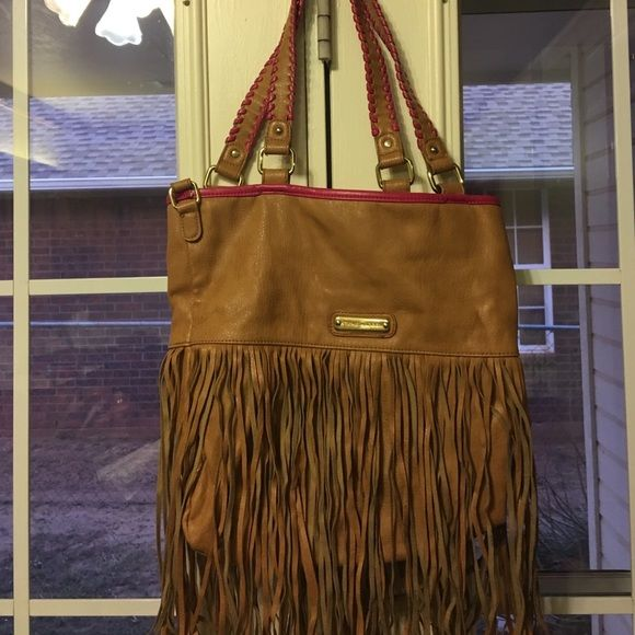 Steve Madden purse ONLY USED A FEW TIMES, like brand new. They looked crimped because of it being box but once used they will thin out Steve Madden Bags Crossbody Bags