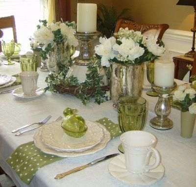 "damask tablescapes | CAROLINA PANACHE: TABLESCAPE THURSDAY - ""Dreaming of A White Easter"""