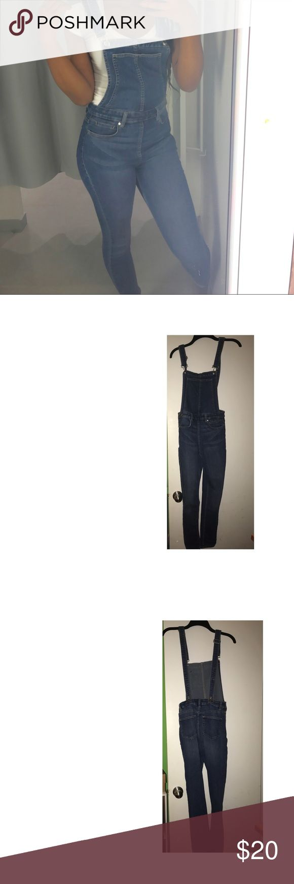 H&M Skinny Jean Overalls Worn once, great condition, feel free to ask questions H&M Jeans Overalls