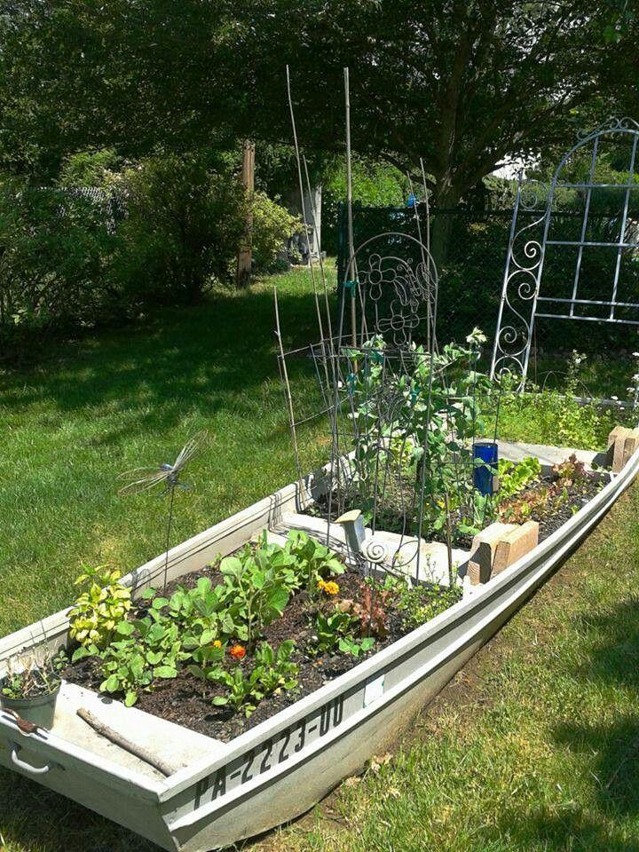 45 best boat planter images on Pinterest | Garden ideas ...