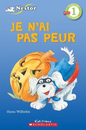 Nestor le chien doit choisir un costume d'Halloween. Quel après-midi amusant!
