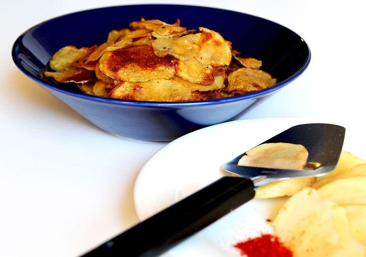 Perunalastujen valmistamista kotona kannattaa kokeilla, sillä se on varsin helppoa. Tällöin saa myös itse valita mieleisensä mausteet.