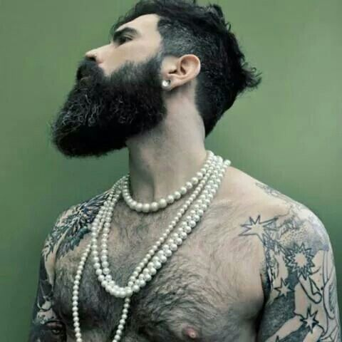/ beard / hairy chest                                                                                                                                                      Mehr