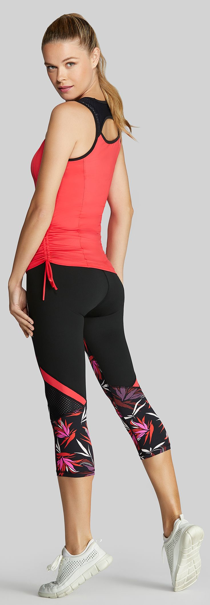 Check out the newest women's tennis fashion apparel line from Tail at MidwestSports.com. The Tail Paradise collection includes performance tennis skirts, tanks, and tennis outfits in flamenco red, black, and paradise print fabrics perfect for your tennis season.