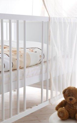 Komplet białych funkcjonalnych mebli VINTAGE do pokoiku dziecięcego z łóżeczkiem dzielonym 70x140 + wyposażenie
