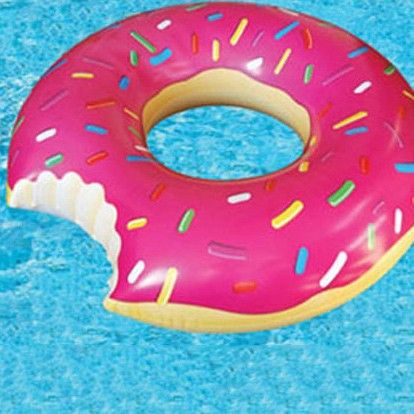 Gigantic donut pool float pool party pinterest for Flotadores para piscinas