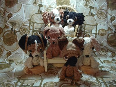 By Hook, By Hand: Puppy Love,#crochet, free pattern, amigirumi, stuffed toy, 5 dog patterns, beagle, border collie, cavalier king charles, german shepard, #haken, gratis patroon (Engels), 5 honden patronen, knuffel, speelgoed, #haakpatroon,beagle, border collie, cavalier king charles, duitse herder, labrador