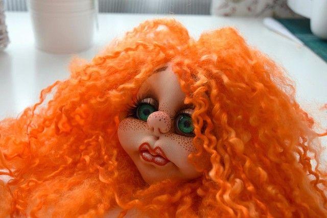 """Школа кукольного мастерства Елены Лаврентьевой: МК """"Пришиваем волосы кукле из натуральной шерсти"""". Автор ТальяНа Маленькое чудо"""
