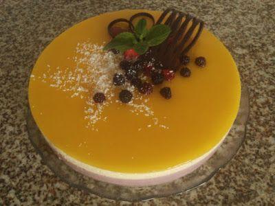 Semifrio de morango e manga ... um bolo de aniversário diferente