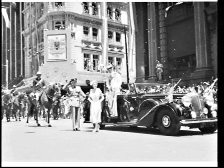 Queen Elizabeth arrives at the Cenotaph, Sydney, during the Royal Visit, 1954  / Jack Hickson.    Find more detailed information about this photograph:    http://acms.sl.nsw.gov.au/item/itemDetailPaged.aspx?itemID=139449        From the collection of the State Library of New South Wales http://www.sl.nsw.gov.au