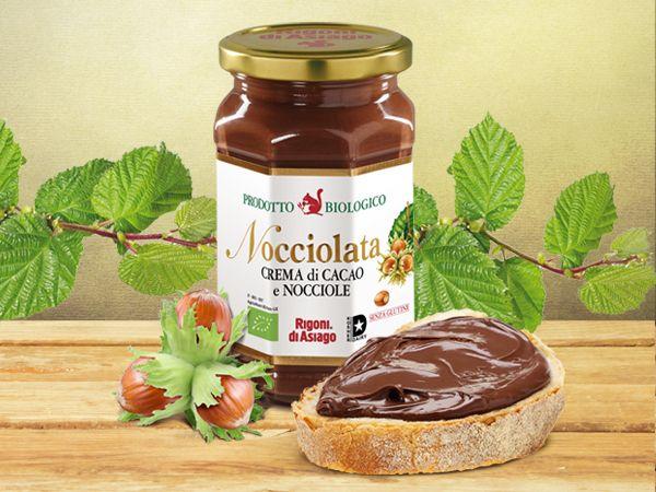 Nocciolata, crema di cacao e nocciole, 100% biologica, è Il risultato di una scelta etica, a protezione dell'ambiente e del consumatore.