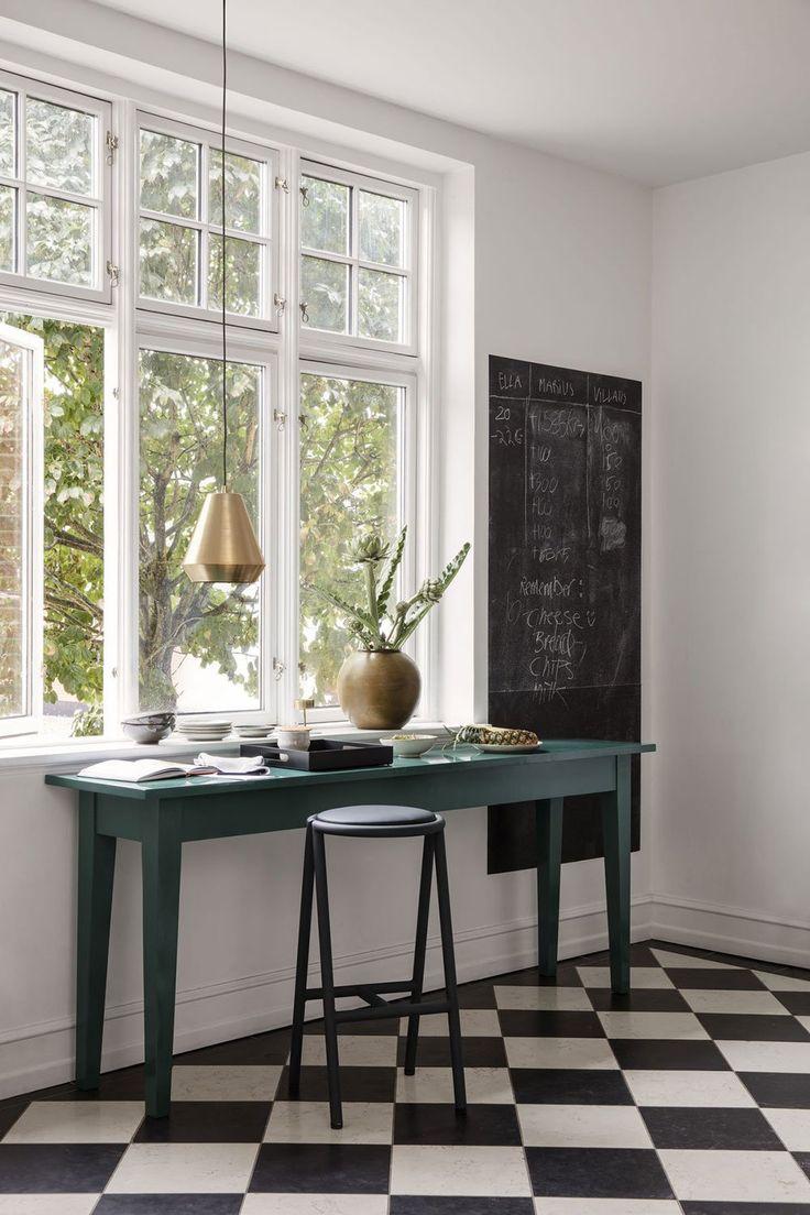 les 571 meilleures images du tableau bureau office sur pinterest. Black Bedroom Furniture Sets. Home Design Ideas