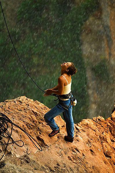 Lauren Lee getting ready to climb in spite of the rain, Alquezar Spain