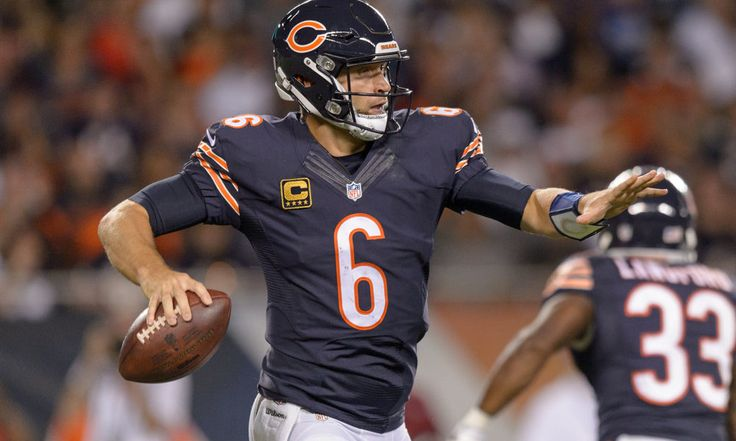 Bears' QB Jay Cutler has ligament damage in thumb = Fans were critical of Bears' QB Jay Cutler when he left last night's game against the Philadelphia Eagles. He had just thrown an interception that almost looked like a pass straight to the linebacker, and then he went out with.....