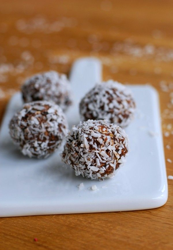 Barnvänliga Chokladbollar - sötade med dadlar