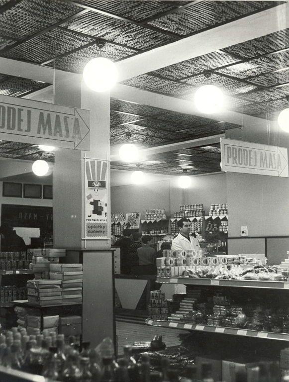Maso bude! Jak se nakupovalo v letech, která ještě pamatujete | Archiv Plus