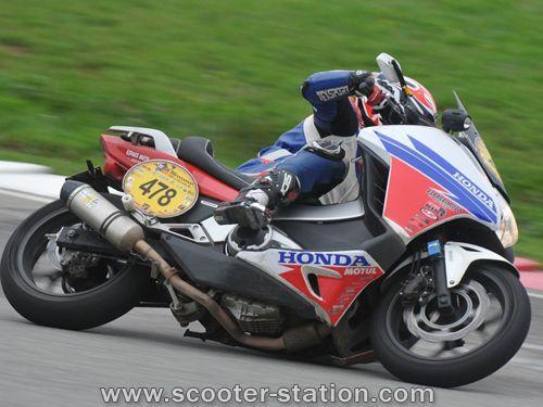 Dark Dog Moto Tour: Victory for the Honda Integra 700 - Scooter Station