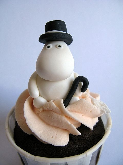Aww Moomin! Moomin is a series of books that originated in Finland. I haven't looked much into but I think it's cute :)