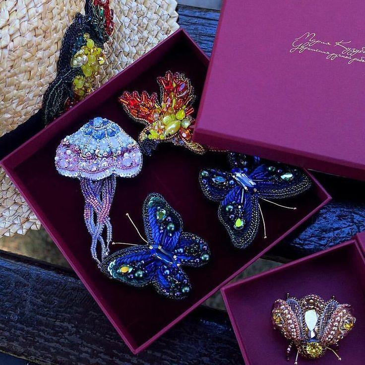 Автор @mariakuzubova   〰〰〰〰〰〰〰〰〰〰〰〰〰〰 По всем вопросам обращайтесь к авторам изделий!!!  #ручнаяработа #брошьизбисера #брошьручнойработы #вышивкабисером #мастер #бисер #handmade_prostor #handmadejewelry #brooch #beads #crystal #embroidery #swarovskicrystals #swarovski #купитьброшь #украшенияручнойработы #handmade #handemroidery #брошь #кольеручнойработы #кольеизбисера #браслеты #браслетручнойработы #сутажныеукрашения #сутаж #шибори #полимернаяглина #украшенияизполимернойглины