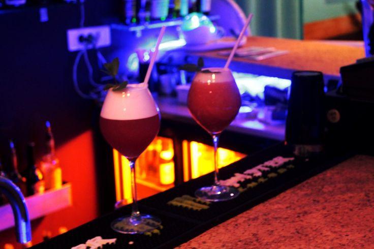 Le Bifor; un bar au plein cœur de Paris, une ambiance colorée et joyeuse pour passer une bonne soirée ! Venez le découvrir sur lelookmag.com/... #Bar #Bifor #Electro #HipHop #Latino #Rock