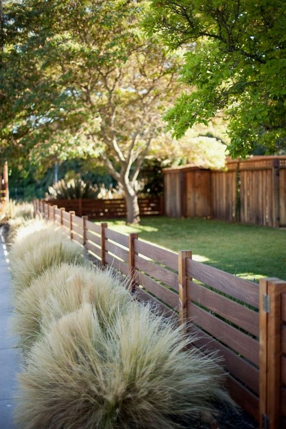 Cheap Yard Design Ideas Front Lawn A Fresh Look This Season With One Of These Gorgeous Garden Design Ideas Fence Design Wood Fence Design Backyard Fences