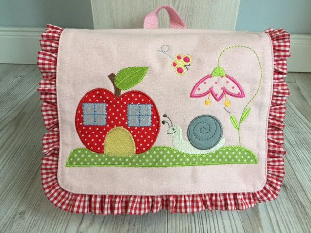 Kindergartentaschen - Kindertasche/Rucksack  Schnecke! - ein Designerstück von Goldfisch17 bei DaWanda