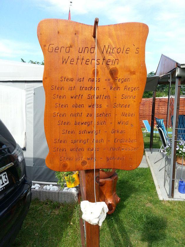 Wetterstein aus Holz Unikat mit Ihrem Namen ins Holz eingraviert. Dieser Wetterstein ist der Blickfang in Ihrem Garten, Campingplatz, Schrebergarten usw.. Oder als Geschenk, dies ist etwas...