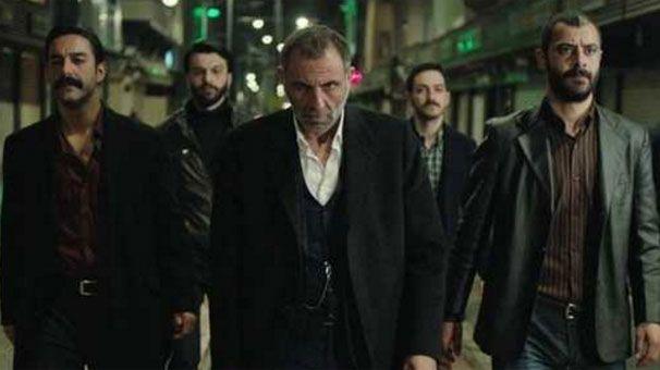 Kehribar 6.Bölüm fragmanı ile 22 Nisan 2016 Cuma günü ATV ekranlarında yeni bölümü ile devam edecek. Konunun devamında yayınlamış olduğumuz Gürkan Uygun'un başrolünde yer aldığı Kehribar 6.Bölüm fragmanını izleyebilirsiniz, iyi seyirler.