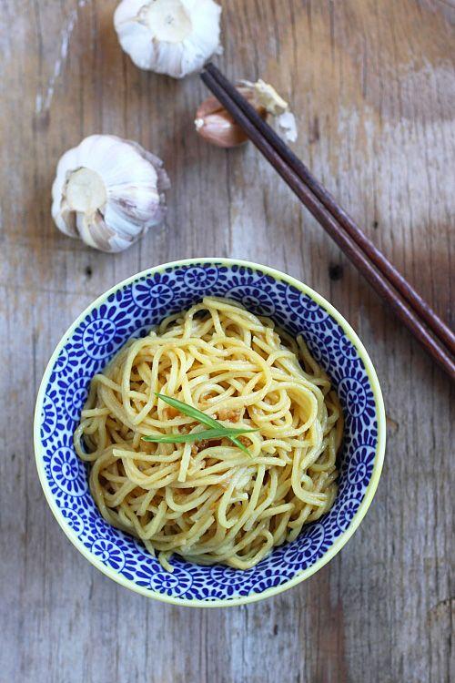 garlic noodles: Om Nom, Garlic Asian Noodles, Garlic Sauces, Garlic ...