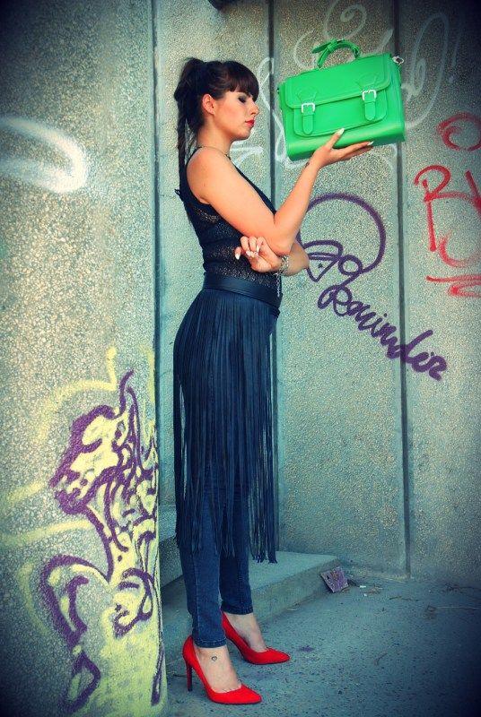 Geanta de dama Felicia, verdele zdrobitor, acum pe Closer To Fashion