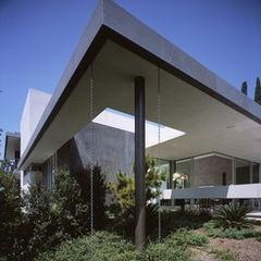 modern exterior by Ehrlich Architects