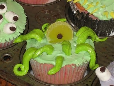 monster cupcakesVintage Halloween, Halloween Parties, Cupcakes Ideas, Monsters Parties, Halloween Cupcakes, Monsters Cupcakes, Sea Monsters, Cupcakes Rosa-Choqu, Parties Cupcakes