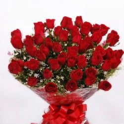 An exclusive bunch of 50 red roses with seasonal fillers wrapped in cellophane and bow. This combo would surely bring smile on his/her face which displays your true and ardent feelings. http://livinggifts.co.in/50-roses-bunch