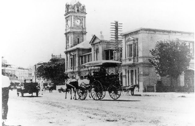 Townsville Post Office in Flinders Street.  c. 1910. Townsville Albums, NQ Photographic Collection, NQID 4505.