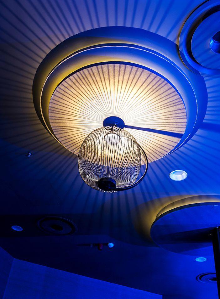 Sala Pelícano _ Diseño de interiorismo y mobiliario por mas·arquitectura #interiordesing #architecture #design #diseño #interiorismo #arquitectura #masarquitectura #discotheque #discoteca  #coruña #salapelicano #pelicano #lapiezaquefaltaba #lamp #light #lighting #lampara #iluminación